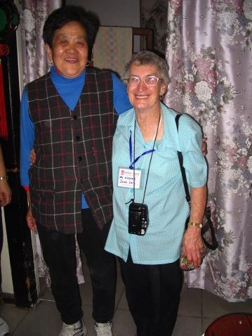 2005-04-05_H1Beijing_CH10313_Hutongs - Joan