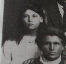 Dorothy and mother Matilda Adams c 1915